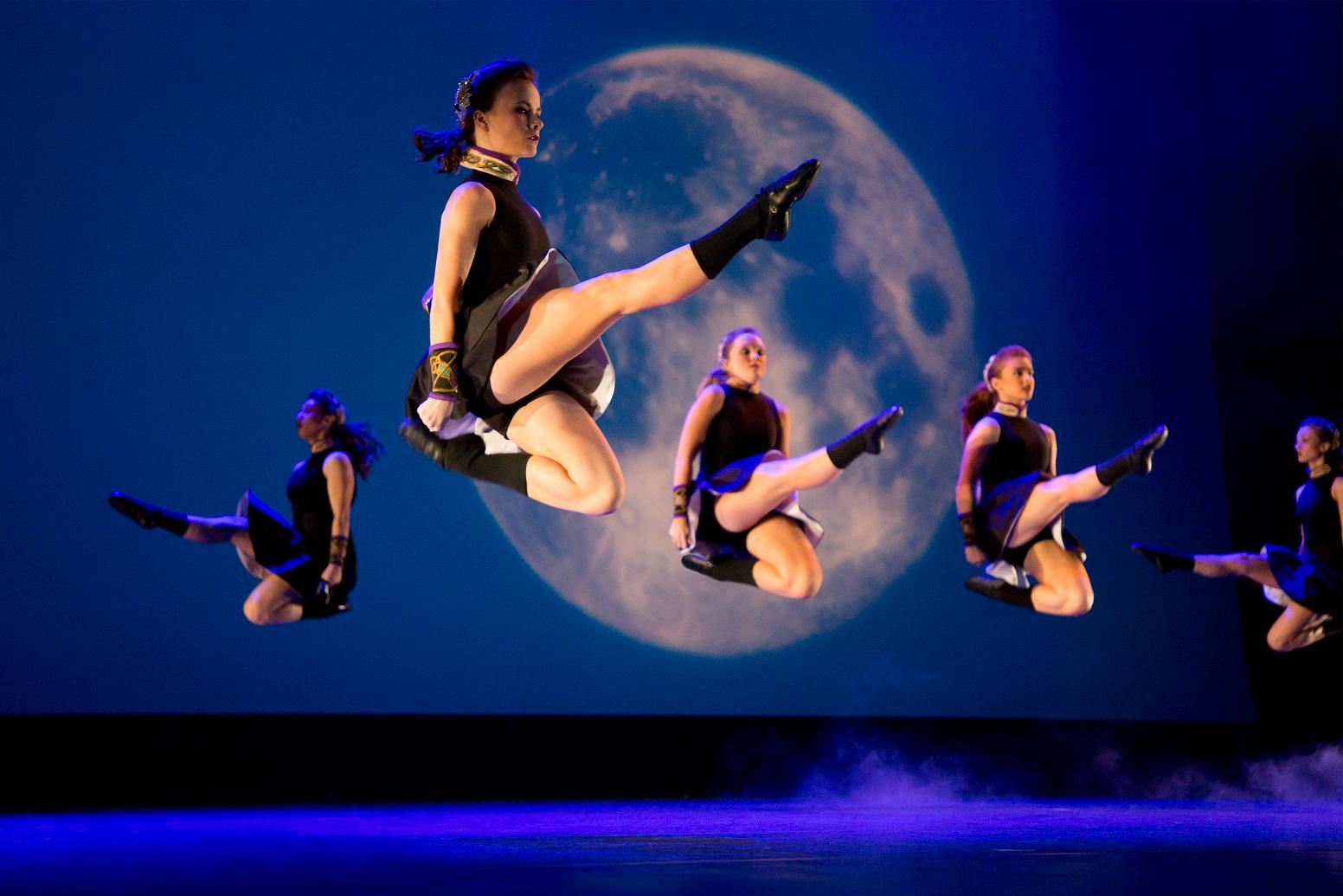トリニティ、アイリッシュ・ダンス | アーティスト&コンサート ...